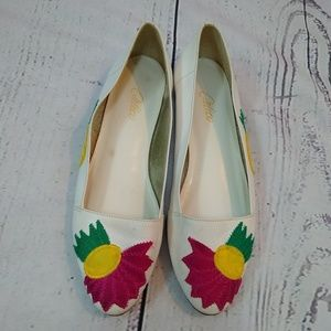 80s white leather flats with floral applique